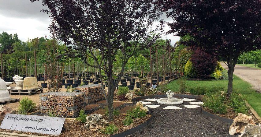 Viveros El Arca cuenta desde hoy con un jardín dedicado al ex alcalde Jesús Málaga por su reconocimiento en el Premio Asprodes 2017